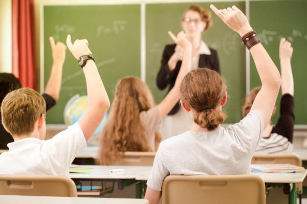 Pomorskie Kuratorium Oświaty poinformowało, że od nowego roku szkolnego w naszym regionie przybyło zarówno uczniów (głównie w najmłodszych grupach przedszkolnych), jak i nauczycieli.