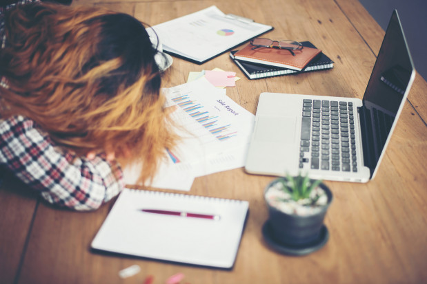 Nadmierny stres w pracy to dobry powód, żeby pomyśleć o jej zmianie.
