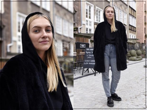 Paulina postawiła na minimalistyczne połączenie z charakterem. Widać, że dobrze się w nim czuje. Plus za ciekawe jeansy, które przełamują czerń oraz ciepły futrzany płaszcz.