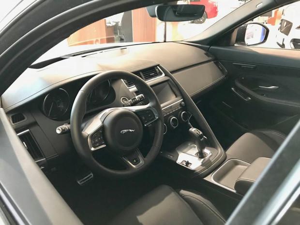 Wnętrze Jaguara E-Pace.