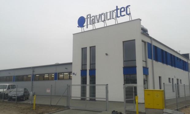 Flavourtec, firma produkująca olejki do e-papierosów, w 2015 roku otworzyła na terenie Pomorskiej Specjalnej Strefy Ekonomicznej zakład produkcyjny o powierzchni ponad 1,2 tys. m kw.