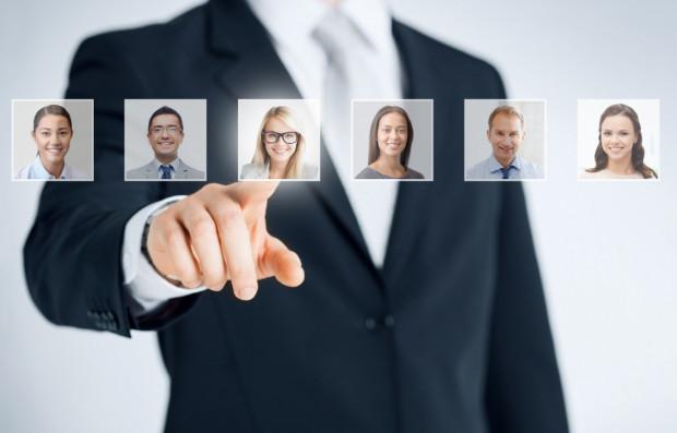 Z raportu znajdującego się na stronie Goldenline dowiadujemy się, że w listopadzie 2017 roku wiadomość od rekrutera otrzymały 49 884 osoby posiadające profil zawodowy w serwisie.