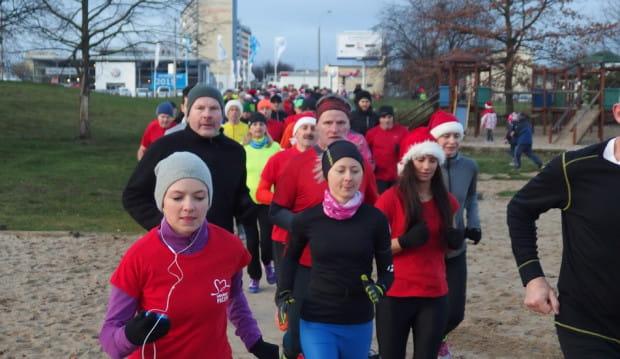 Świąteczny klimat na sportowo będzie można poczuć m.in. podczas biegów Parkrun.