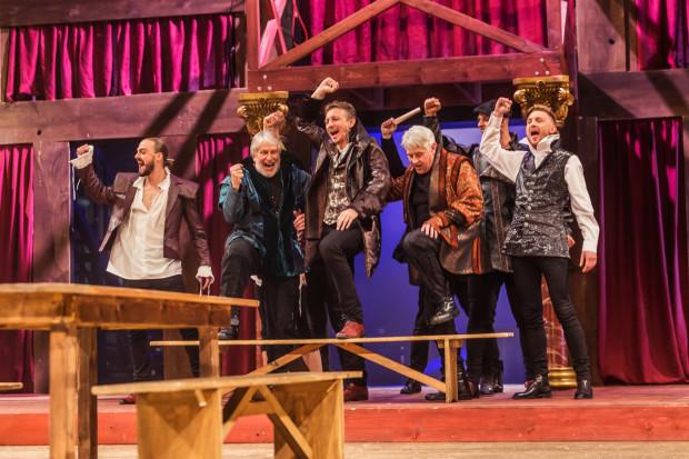 """""""Zakochany Szekspir"""" jest kolejną, udaną artystycznie współpracą między Teatrem Wybrzeże a Gdańskim Teatrem Szekspirowskim."""