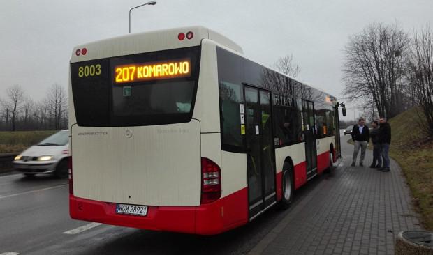 Wyświetlacz z numerem linii oraz przystankiem końcowym umieszczono także z tyłu pojazdu.