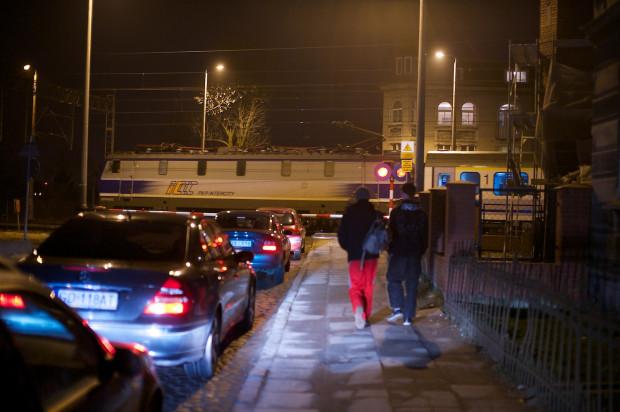 Przejazd kolejowy na ul. Sandomierskiej docelowo zostanie zamknięty.