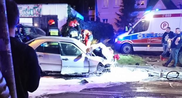 Skutki wrześniowego wypadku na ul. Komandorskiej w Gdyni.