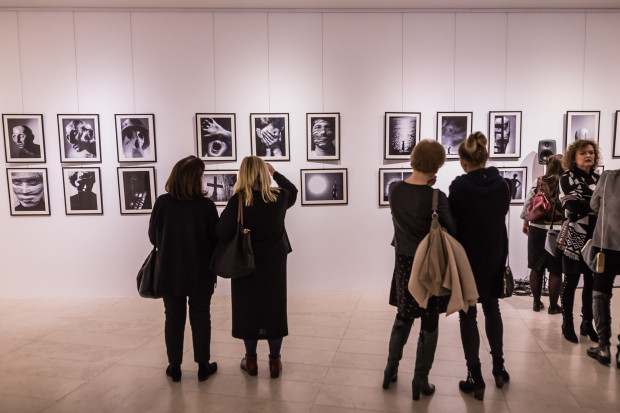 Zdjęcia i grafiki komputerowe Zdzisława Beksińskiego można oglądać w Gdańskim Teatrze Szekspirowskim do 4 lutego.