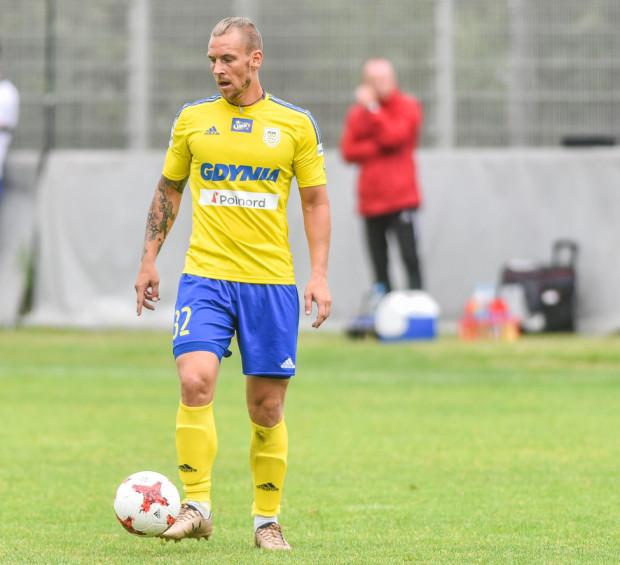 Adam Danch wraca do treningów Arki Gdynia, na razie do indywidualnych.
