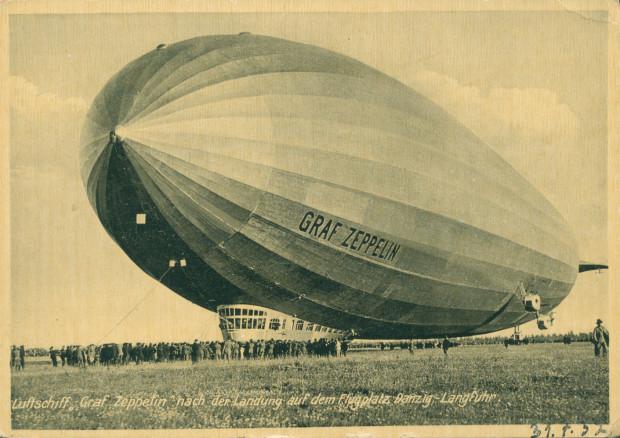"""""""Graf Zeppelin"""" na lotnisku we Wrzeszczu, 31 lipca 1932 r. (ze zbiorów Krzysztofa Gryndera)."""