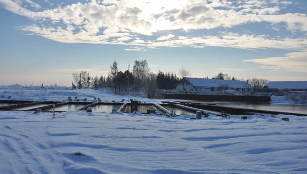 Zamarła budowa mostu na kanale Linawy - przyszła droga S7.