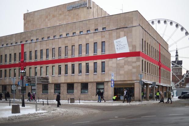Obchodzący w ubiegłym roku jubileusz 70-lecia istnienia i 50-lecia na Targu Węglowym Teatr Wybrzeże otrzymał nieco wyższą dotację. Jego budżet kształtuje się na poziomie  17 mln 40 tys. zł.
