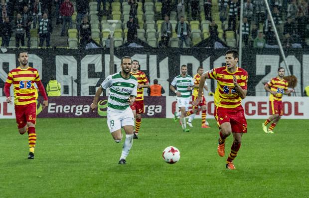 Marci Paixao (nr 19) strzelił 15. gola w ekstraklasie, po którym Lechia prowadziła w Białymstoku, ale w piątkowy wieczór to Jagiellonia była lepsza pod każdym względzie.