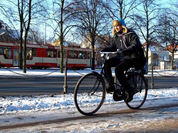 Zimą na rowerach jeżdżą tylko najbardziej wprawieni rowerzyści, ale już niebawem aura będzie łaskawa dla wszystkich.