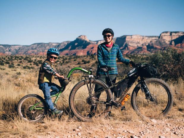 Hole rowerowe jednokołowe pozwalają na pokonywanie nawet trudnych tras z dzieckiem