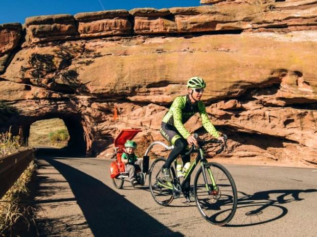 Dzięki holom rowerowym wycieczka z dzieckiem oznacza również wysiłek dla malucha