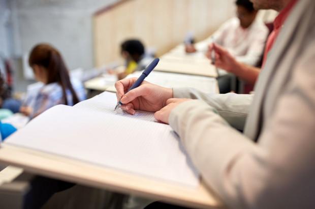 Uczniowie trzecich klas gimnazjów za niecałe sześć tygodni przystąpią do pierwszego egzaminu, ale już teraz zastanawiają się nad ostatecznym wyborem szkoły.