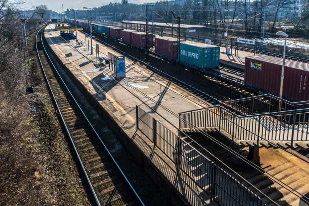 Jeden z nowych przystanków - SKM Gdynia Wielkopolska - miałby powstać między przystankami w Orłowie (widoczny na zdjęciu) i Redłowie.