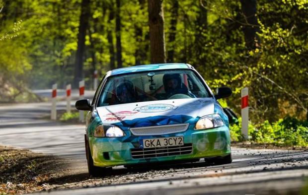 W ciągu roku Szerszeń Rally Team bierze udział w 8-12 rajdach.