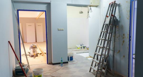 Prace remontowe na Fikakowie idą pełną parą. Dom Sąsiedzki będzie pierwszym w Gdyni.