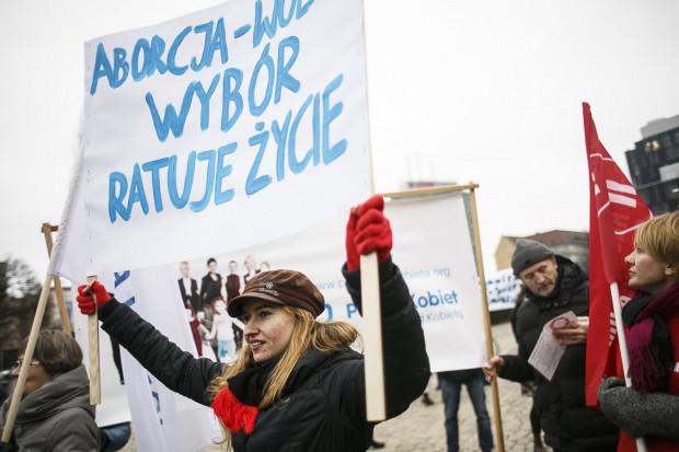 """W piątek w Gdańsku i Gdyni odbędą się demonstracje w ramach akcji """"Czarny piątek""""."""