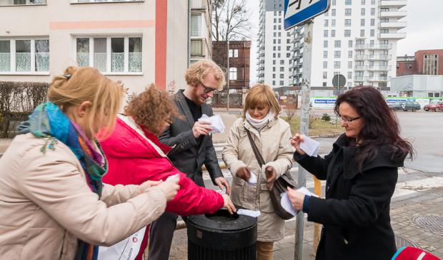 Aktywiści miejscy ze stowarzyszenia Lepszy Gdańsk uważają, że tzw. specustawa mieszkaniowa nadaje się wyłącznie do kosza.
