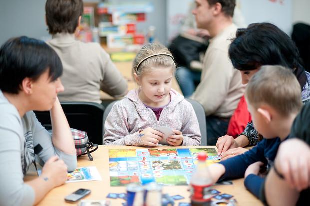Planszogranie w ECS to dobra okazja do wspólnej, rodzinnej zabawy.
