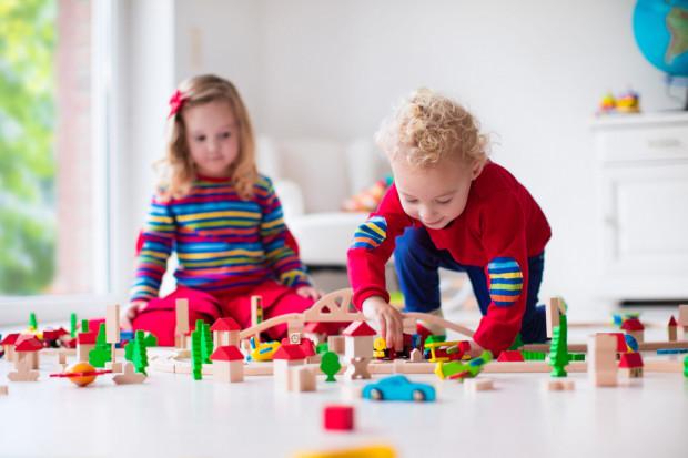 Miejsc w żłobkach przybywa zdecydowanie wolniej niż dzieci.