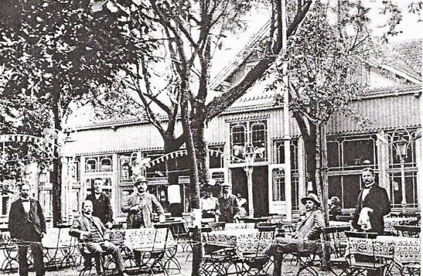 Dawny Dom Zdrojowy (niem. Kurhaus) na Stogach.