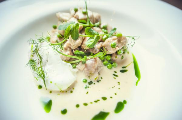 Comber z królika to jedna z chętniej wybieranych przez szefów kuchni części mięsa.