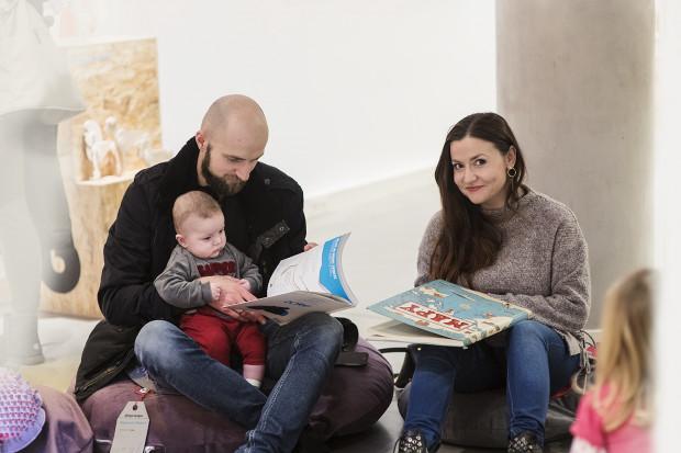 """Na wystawie """"Lekcja dizajnu"""" stworzono cały osobny dział w formie kącika nazwanego Czytelnią wypełnioną książkami najlepszych polskich wydawnictw."""