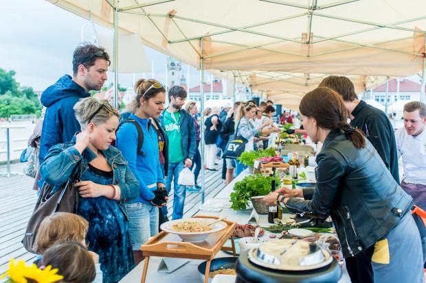 Slow Fest na sopockim molo to okazja, aby spróbować regionalnych smaków.