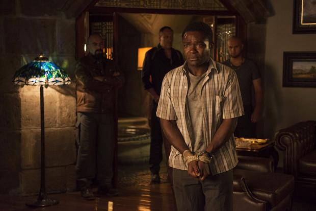 Harold (David Oyelowo), chcąc odegrać się na nieuczciwych przełożonych, obmyśla ambitny plan sfingowania własnego porwania podczas służbowej wizyty w Meksyku. Sytuacja komplikuje się, gdy okoliczny kartel rzeczywiście zaczyna interesować się poczciwym mężczyzną.