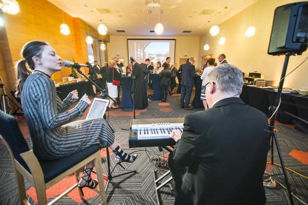 W czwartkowy wieczór odbyło się oficjalne otwarcie restauracji Nowosopockiej. Wydarzenie umilił występ wokalistki Pauliny Czapli w towarzystwie pianisty Michała Urbaniaka.