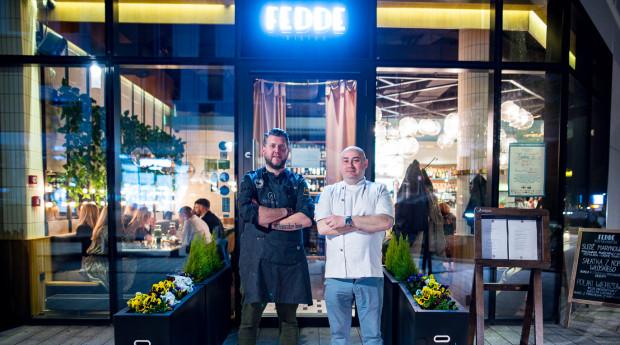 Bohaterami trzeciej kolacji z cyklu Guest Chef byli: Ernest Jagodziński i Jacek Fedde, którzy przygotowali wiosenne menu.