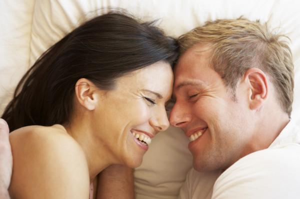 W przypadku wielu par ciężar antykoncepcji spoczywa na partnerce. Wazektomia - podwiązanie nasieniowodu bądź nasieniowodów - to jednak męska metoda antykoncepcyjna, dająca niemal 100 proc. pewność i pozwalająca partnerce zrezygnować z antykoncepcji hormonalnej.