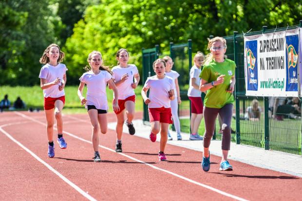 KL Lechia Gdańsk w maju zaprosi szkoły podstawowe trzykrotnie na zawody lekkoatletyczne. Pierwsza okazja do startu już w najbliższy piątek.