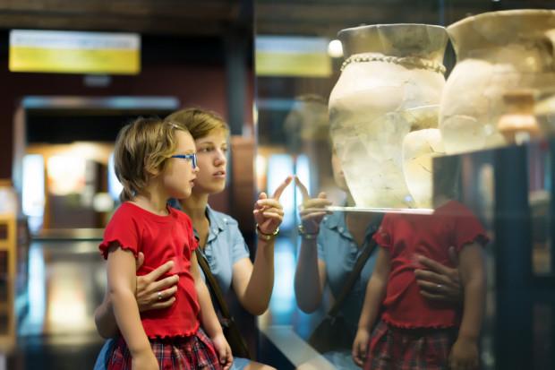 Główna atrakcja to Noc Muzeów - włączają się w nią nie tylko muzea i na pewno będzie ciekawie.