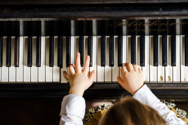 Choć nowy rok szkolny rozpocznie się dopiero 1 września, kandydaci na wirtuozów już teraz stają do walki o miejsca w szkołach muzycznych.
