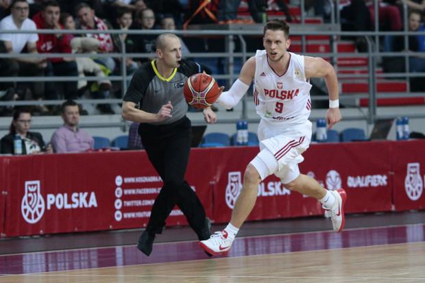 W kadrze Polski zobaczymy jednego z wyróżniających się zawodników ligi hiszpańskiej i byłego koszykarza m.in. Asseco Gdynia, Mateusza Ponitkę.