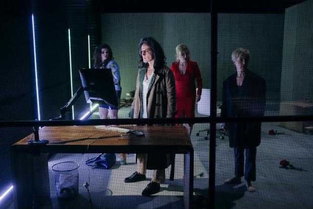 """- Rzadko zdarzają się teksty literackie, a sceniczne w szczególności, które proponują role kobietom - przyznaje Anna Gryszkówna. W """"Resecie"""" Teatru Wybrzeże wystąpią cztery aktorki (od lewej): Małgorzata Oracz, Anna Kociarz, Ewa Jendrzejewska i Joanna Kreft-Baka."""