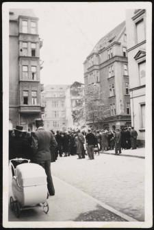 Zniszczona w wyniku nalotu kamienica przy ul. Gdyńskich Kosynierów.