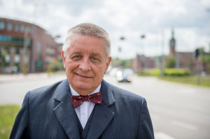 ...i prof. Andrzejem Ceynową, kandydatem SLD.