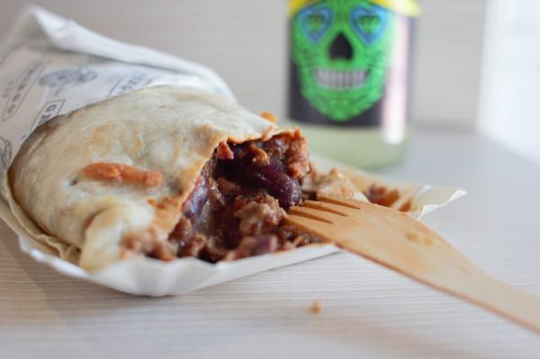 Burrito chili con carne.