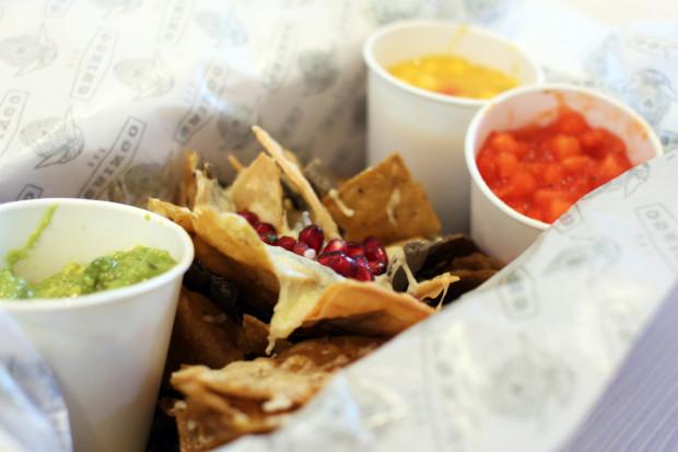 Start nachos i salsy.