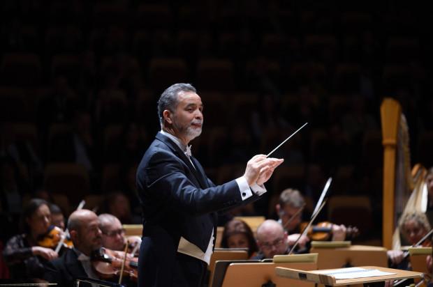 Dla Jose Marii Florencio funkcja dyrektora muzycznego to powrót do Opery Bałtyckiej po siedmiu latach przerwy. Wcześniej przez trzy lata był zastępcą dyrektora ds. artystycznych na początku dyrekcji Marka Weissa.