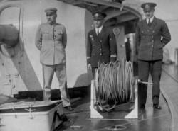 """Marszałek Piłsudski na pokładzie ORP """"Wicher""""."""