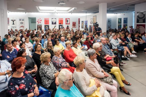 Ogromnym zainteresowaniem cieszyły się spotkania z gwiazdami kina, telewizji i teatru. Szczególnie liczną publiczność miały spotkania weekendowe (na zdjęciu podczas spotkania z Danutą Stenką).