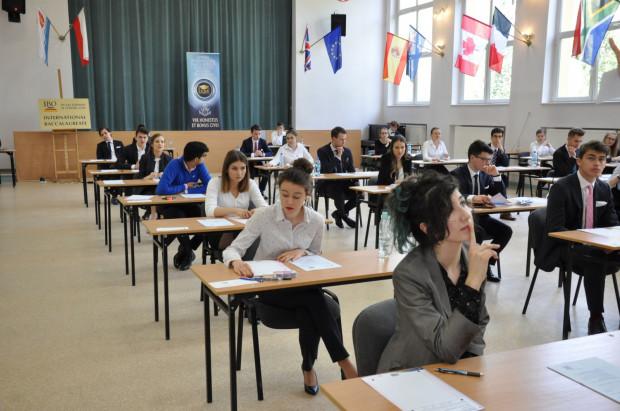 W III LO w Gdyni już 981 absolwentów, najwięcej w Polsce, uzyskało Dyplom International Baccalaureate Organization.