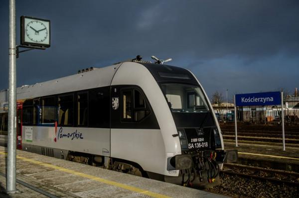 Trzeci tor między Gdynią i Osową jest potrzebny, ale sytuację pasażerów kolei na Pomorzu radykalnie zmieni dopiero elektryfikacja i budowa drugiego toru kolejowego do Kościerzyny.